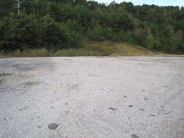 8.3 acres of commercial property just off Exit 15 of I-75 on N Hwy 25w at Goldbug. $285,000 Kentucky Real Estate