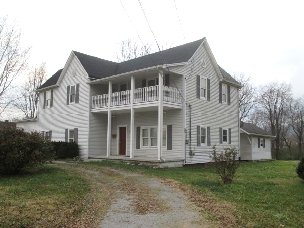 Sold! 222 SO. 11TH ST., WMSBG  |  LOTS OF SPACE IN THIS TWO-STORY FRAME HOUSE!  $89,900 OR BEST OFFER Kentucky Real Estate
