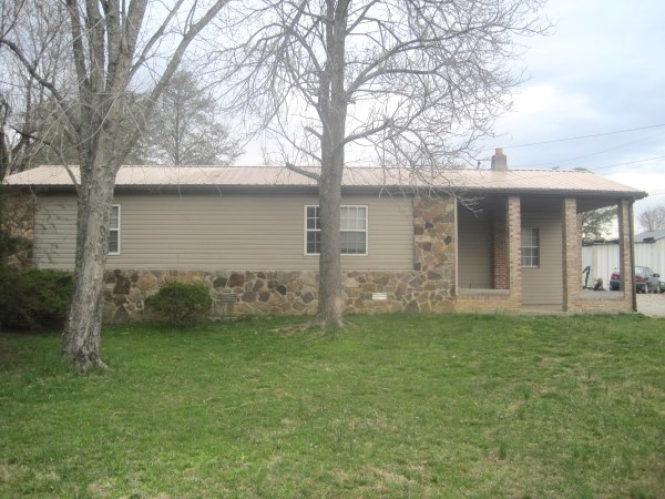 SOLD!  54 Kenny Bug Road, Williamsburg, KY 	This 24x40 mobile home offers 3 bedrooms, 1 bath  $39,000 Kentucky Real Estate