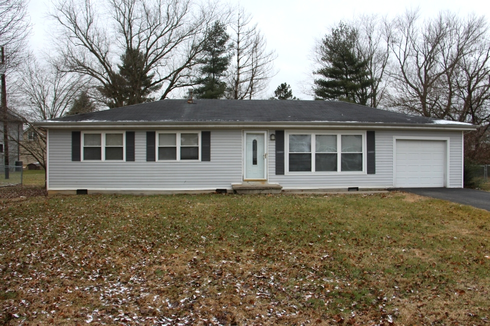 SOLD ! 103 Ohio Lane, London, KY |  Frame house (1972 SF) with 3 bdrms $89,900 Kentucky Real Estate