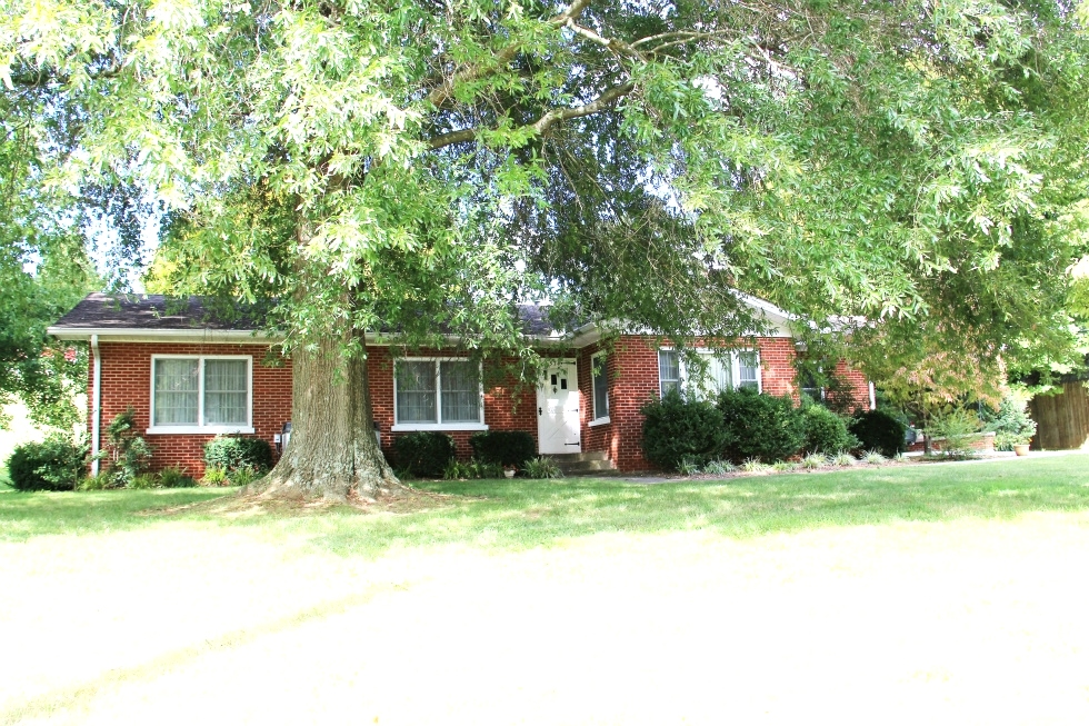 SOLD! 574 Moore Rd., Williamsburg | Brick ranch style home with over 2500 sf of living space. Kentucky Real Estate