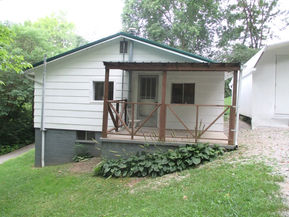 SOLD! 54 Woodlawn Avenue, Williamsburg, KY  $40,500 Kentucky Real Estate