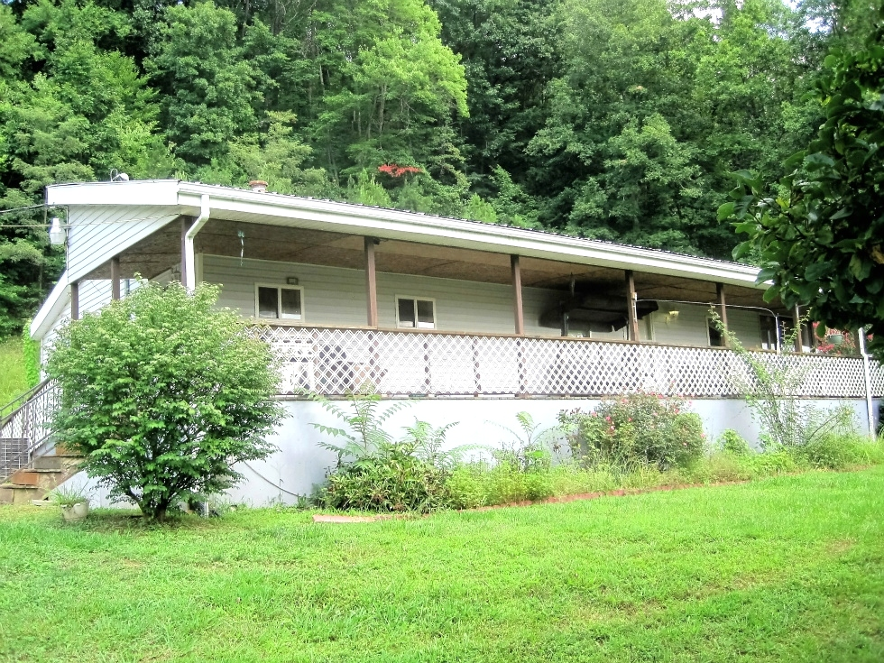 SOLD! 470 Cane Creek Rd., Williamsburg | Three bedroom, 2 bath double wide (28 X 44) on approximately .8 acre  Kentucky Real Estate