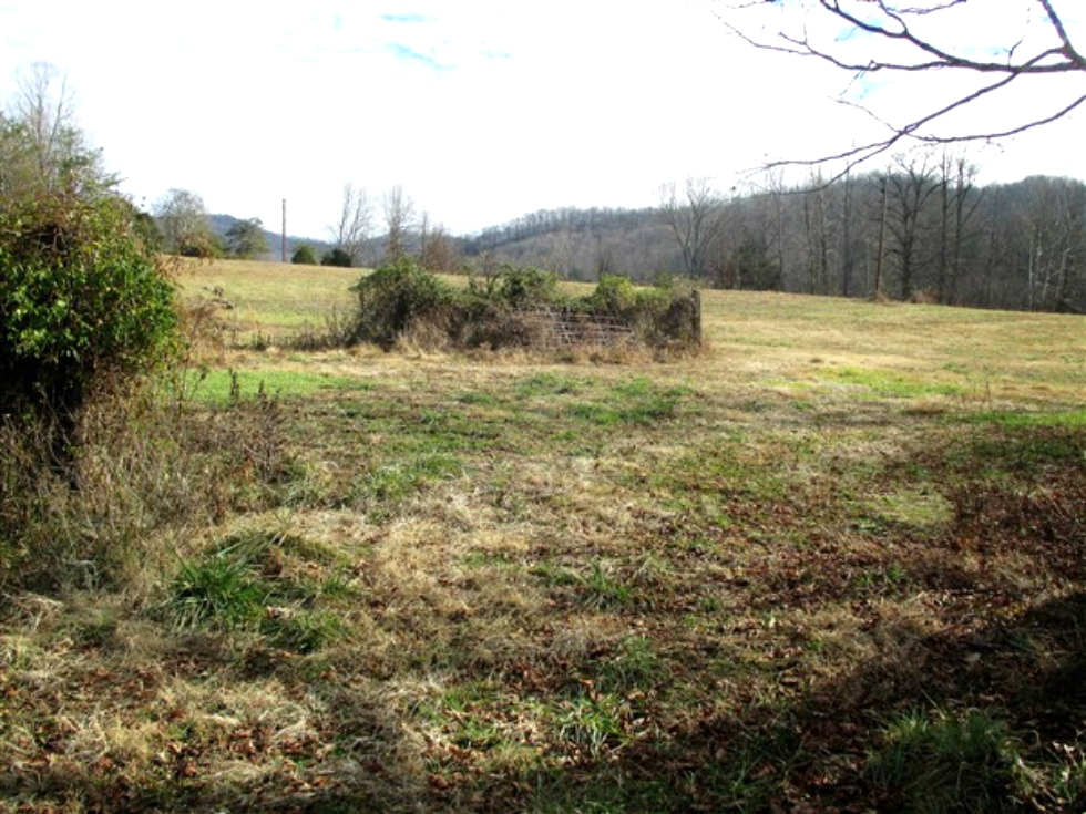 2694 Buck Creek Road. | 10 acres +/- that lays really well. Road frontage, well on property, county water available Kentucky Real Estate
