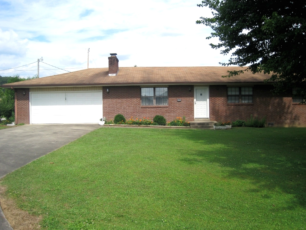 REDUCED 352 Mountain Lane, Rockholds - Brick home that is well kept and contains 1400 +/- sf of living space  Kentucky Real Estate