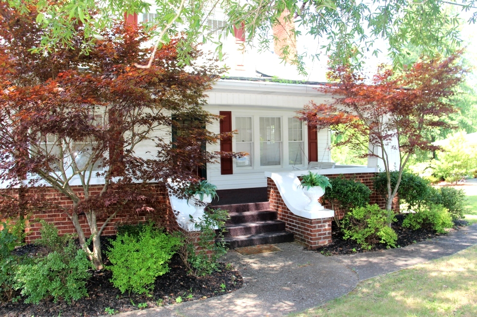 SOLD |  859 N Hwy 25w, Williamsburg | 4 bdrm frame house w/many features from the mid 1900's,  Kentucky Real Estate