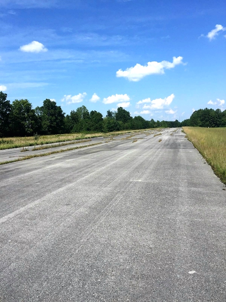 Airport Rd., Williamsburg, KY | 25 acres with an airport runway, large metal building and lots of potential for development Kentucky Real Estate
