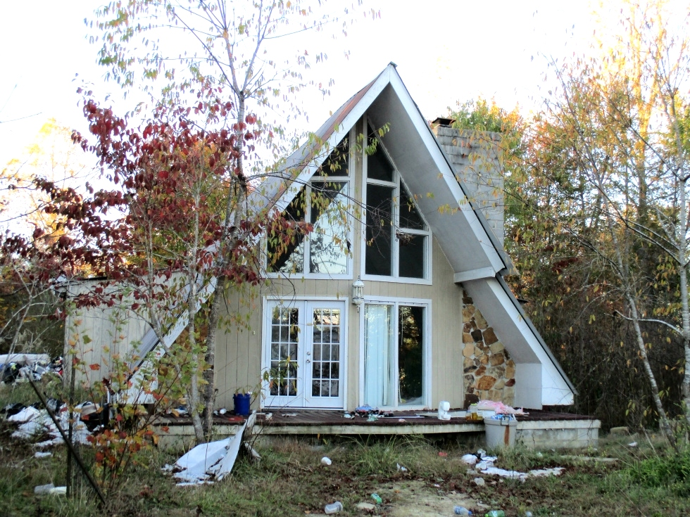 Sold! 2036 Hwy 204 W, Williamsburg | 3 bdrm modified A-frame and 2 acres, needs work but has potential. Kentucky Real Estate