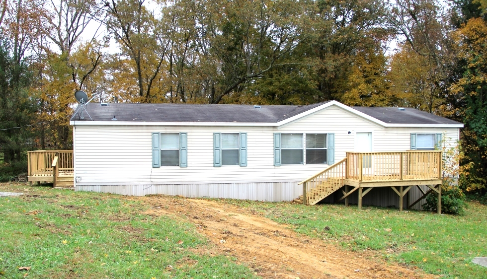 Reduced! Buy One Get One Free - Residence 1: 2008 28' X 60' Fleetwood dblwd, - Residence 2: an older home, Kentucky Real Estate